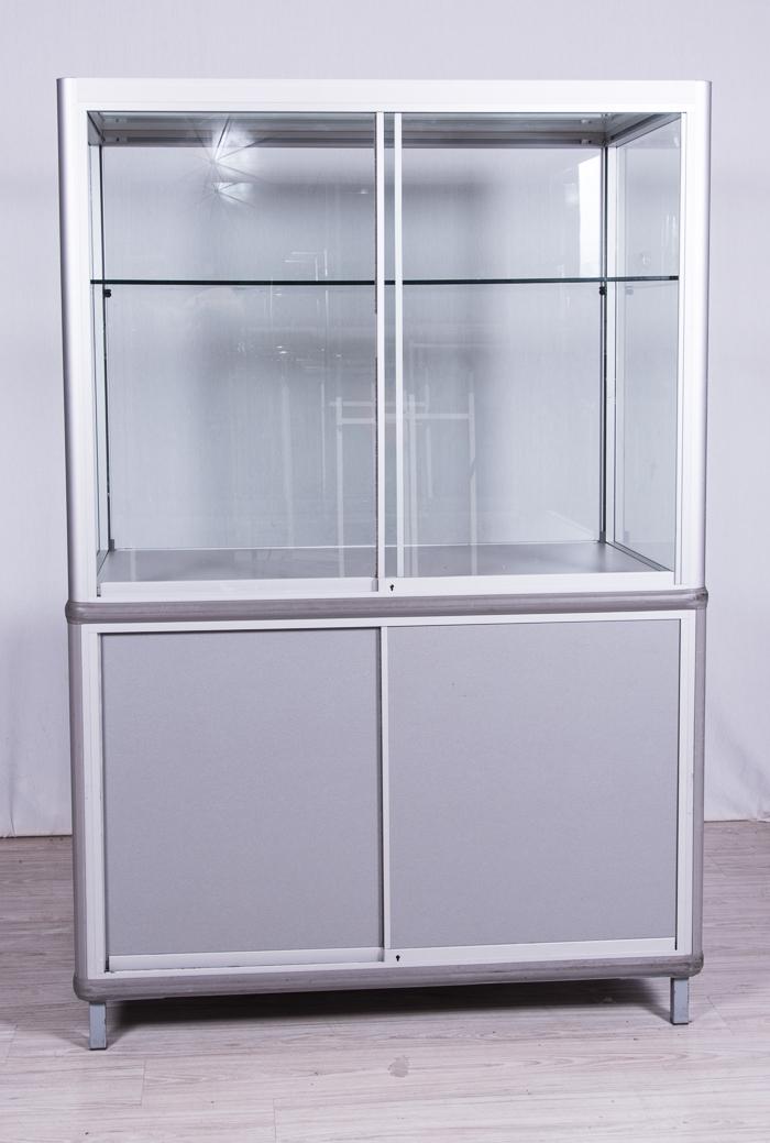 gro e vitrine 180cm hoch unterschrank glasvitrine abschlie bar ladenbau messebau ebay. Black Bedroom Furniture Sets. Home Design Ideas
